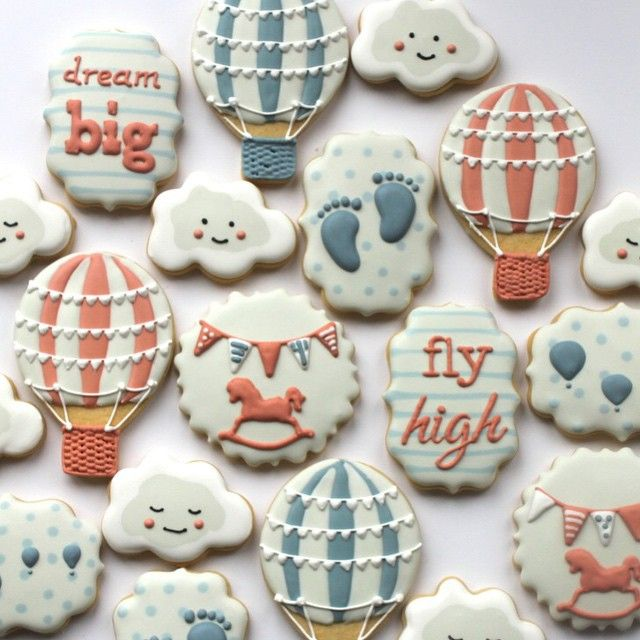 Hot air balloon themed baby shower cookies - missbiscuit