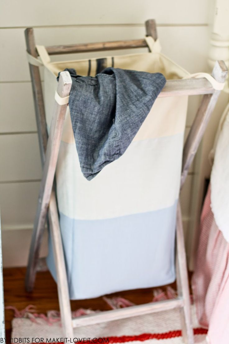 DIY Foldable Wood Hamper...with Reversible Bag Insert --- Make It and Love It // this would be a great project for my new house!
