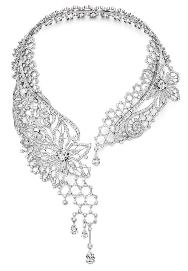 Piaget. Coco Chanel invented this kind of necklace, which she showed in her first jewelry collection in 1932. It was called the Collier Comete. Jewelers had to figure out how to make a stretchable metal collar. This one is stunning.