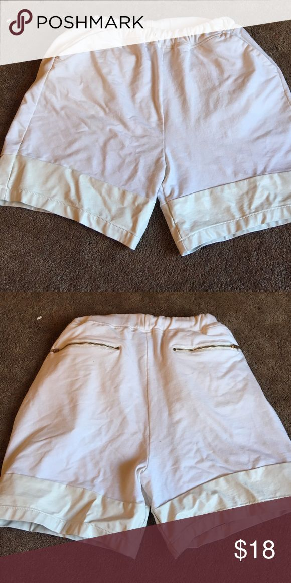 MENS white Topman shorts with leather trim In great condition. Missing drawstring that's all. Leather trim. Gold zippers on the back. Topshop Shorts