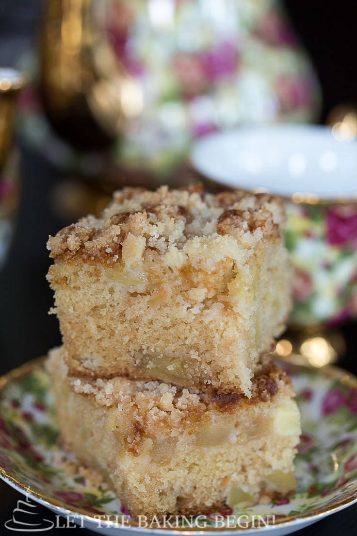 Apple Coffee Cake w/ Streusel Topping - Apples make any baked thing very moist, as they continue giving off the moisture into the cake long ...