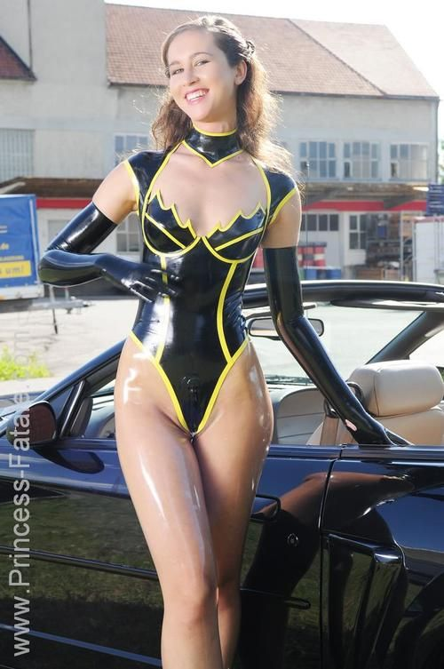 latex byxor eskort girl