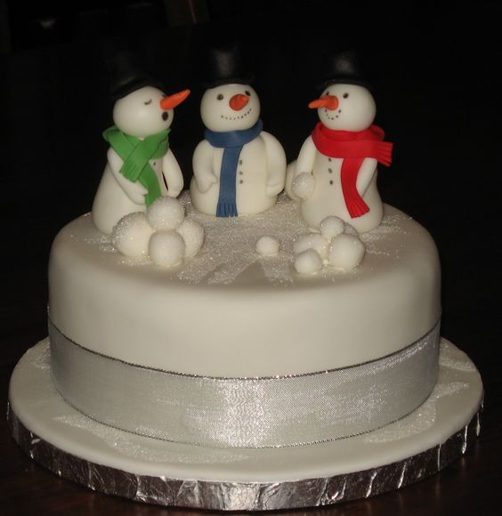 Christmas season is all about shopping, family, happiness and lots of yummy food. A Christmas dinner is never complete with well, a Christmas Cake. We are here with a compilation of 25 Christmas cakes you can try out this season. We are sure these beautiful cakes will the super-hit of your Holiday...