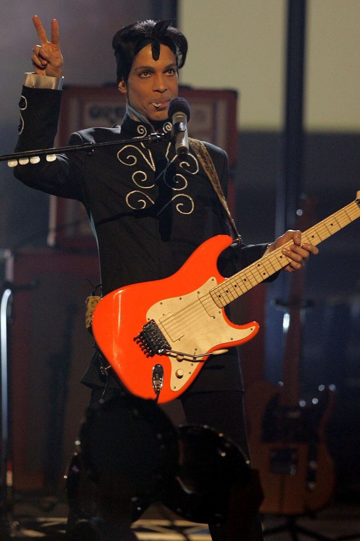 A Look at Prince's Sexy 4-Decade Style Reign: June 27, 2006