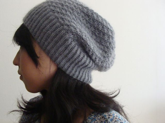 Free knitting Pattern: Hinagiku Hat by roko20. Slouchy knit hat with Daisy stitch.