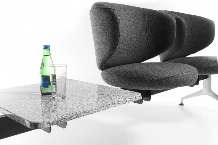 Clubin wyróżnia się wśród foteli biurowych zaokrągloną formą oraz designem nawiązującym do stylu #pop-art. Jest doskonałą propozycja dla wszystkich, którzy wykraczają poza utarte schematy aranżacyjne.  #elzap #meble #fotel #siedzisko #design #modern #furniture #chair #table #interior #wnętrze #great #inspiration #inspiracja
