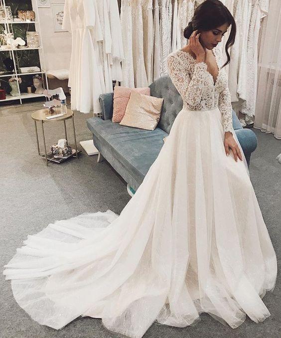 Vintage Ballkleid V-Ausschnitt mit langen Ärmeln Spitze Brautkleider   – Wedding Dresses