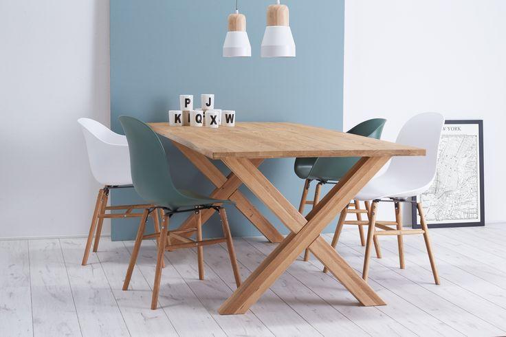 Een fijne eethoek is belangrijk, hier breng je tenslotte veel tijd door. Leuk is om verschillende stoelen rondom de eettafel neer te zetten. Onze stoel SOHO is er mét en zónder kuip, in diverse kleuren. Bekijk alle varianten via onze stories! #stoel #soho #kuipstoel #lekkerzitten #aantafel #plekvooriedereen #kwantum