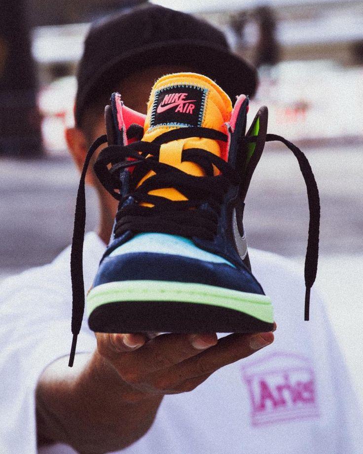 Jordan 1 High Bio Hack Instragan @whitetshirton #sneakers #sneakerhead #sneakersaddict #sneakersnike #jordan1addict #jordan1high #jumpman #complexkicks #sneakersworkout