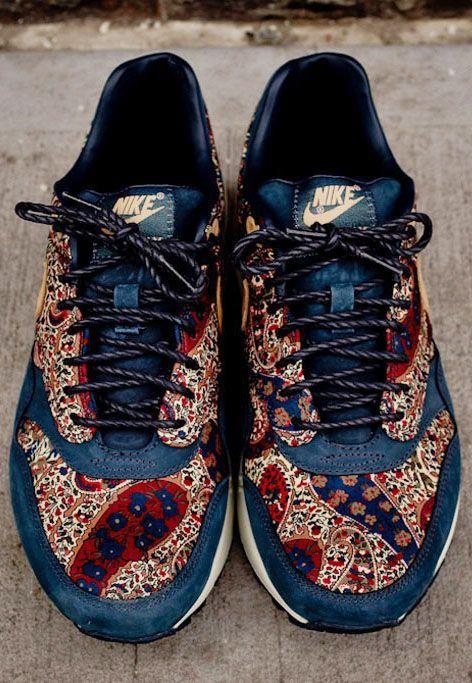 Print Nikes