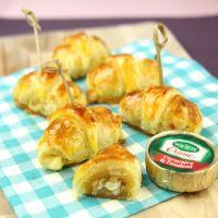 Petits croissants au Société Crème, abricots et noix