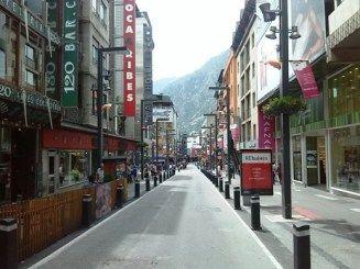 Andorra la Vella - a főváros főutcája