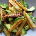 Recept voor schorseneren avocado salade:  http://www.schorseneren.nl/recepten/lauwwarme-salade-van-schorseneren-en-avocado/