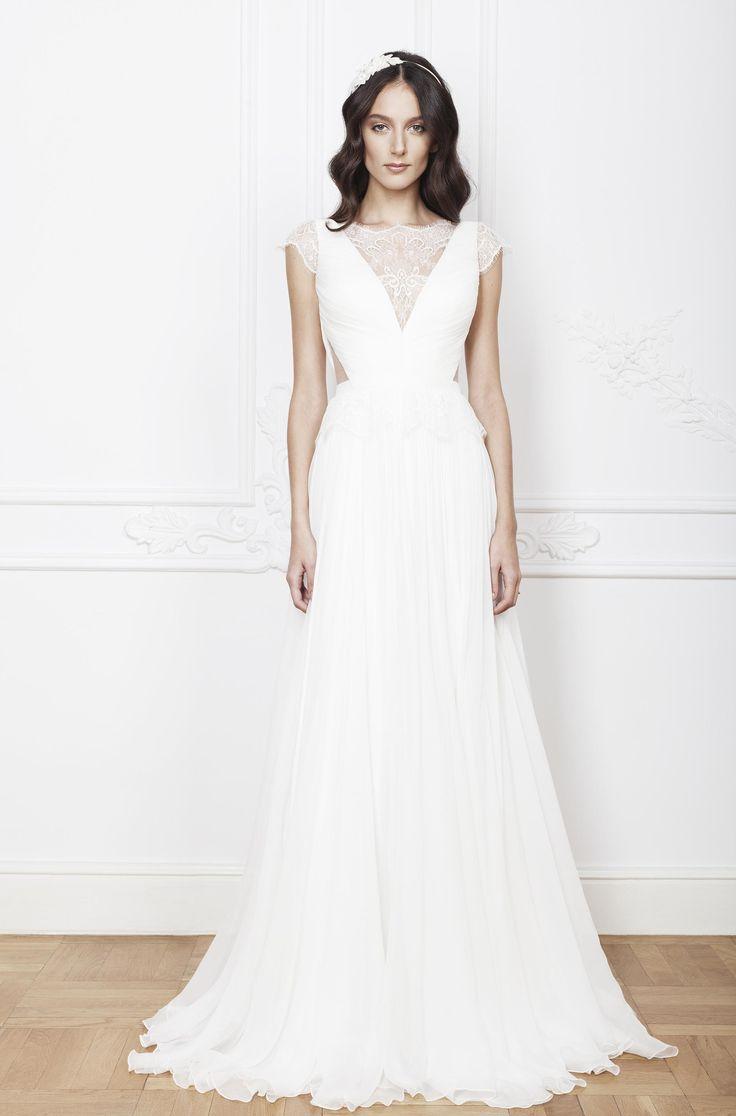 Laris wedding dress, 2016 Collection, Divine Atelier