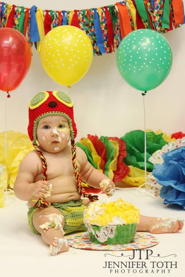 The Very Hungry Caterpillar garland #fabricgarland #garland #banner #bunting #newbornphotography #babyphotography #childphotography #babyprops #photoprop #photoprops #newbornprops #cakesmash #firstbirthday #1stbirthday #birthdaybanner #partydecor #partyplanner #handmade #etsy #etsyshop #etsyseller #ericcale #hungrycaterpillar