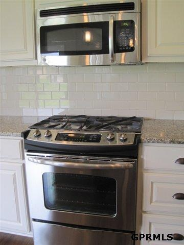 25 Best Ideas About Microwave Above Stove On Pinterest