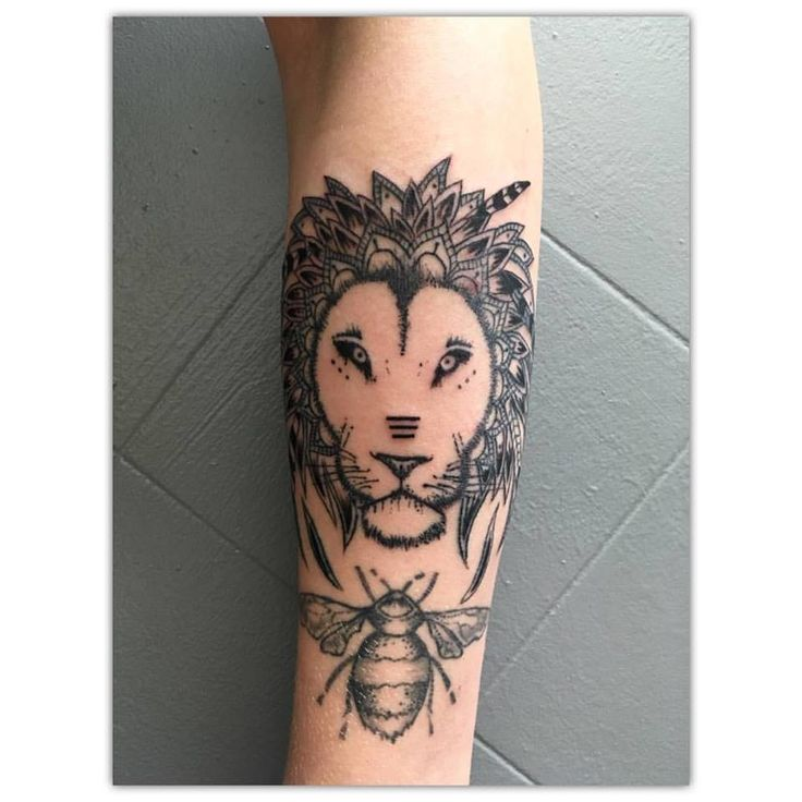 Lion designed by Klee Jane Art, tattooed by KTREW Birmingham, bee designed and tattooed by KTREW Birmingham