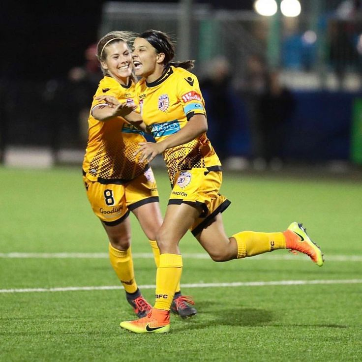 "1,416 Likes, 6 Comments - Sam Kerr (@samanthakerr20) on Instagram: ""3 points to end the weekend """