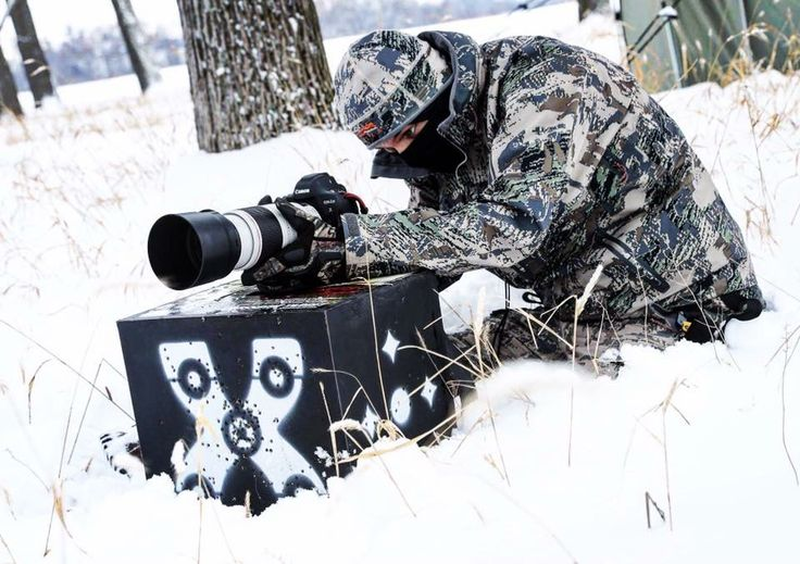 When you're filming outdoors in a snow storm you must use what's at your disposal and sometimes that means using an archery target as a camera stabilizer  The Outdoors Chef Sitka Gear My Outdoor TV #greatoutdoors #fearlessoutdoors #sitka #canon #filming #hunting