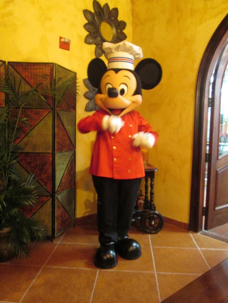 Um dos almoços da WISHtrip na Disney, contou com o chef Mickey!
