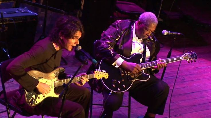 BB King & John Mayer Live - Part 1 - This is a clip of BB King and John Mayer's Improvised highlight jam at Guitar Center's King of the Blues 2006.