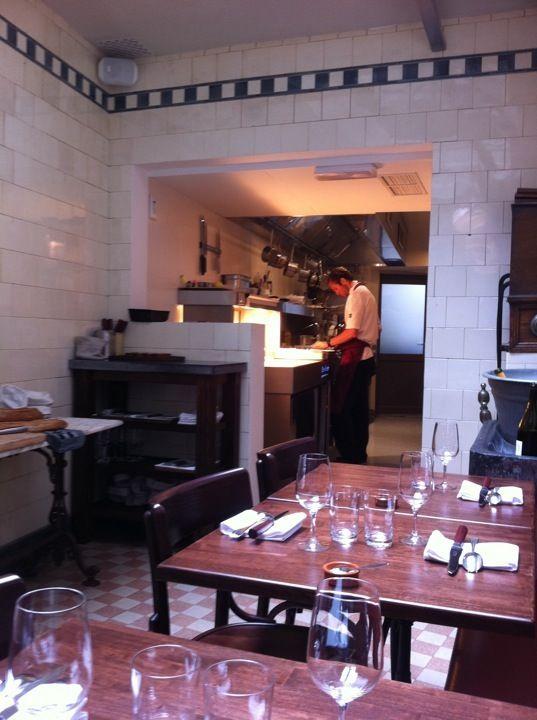 de vitrine in gent restaurant in een oude slagerij. Black Bedroom Furniture Sets. Home Design Ideas