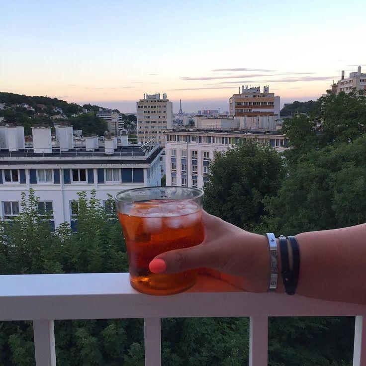 About last night... #lasoufflerie #lasoufflerieparis #handblownglass #verresoufflé  #handmade #faitmain #madeinparis #artisan #craft #glass #verre #artisansofinstagram #cocktails #aperolspritz #apero #goblet #gobletV #goodtimes #paris #makingmemories