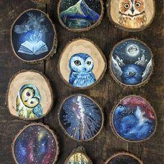 Ela abandonou o emprego para produzir incríveis pinturas em pedaços de madeira