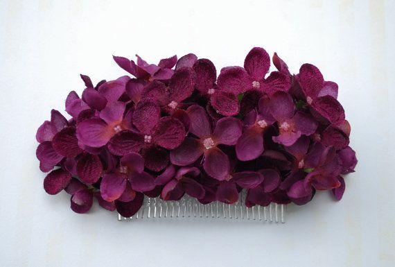 Beautiful velvet and fabric purple hydrangea hair comb vintage rockabilly style wedding 40s 50s pin up bride hairflower haircomb boho
