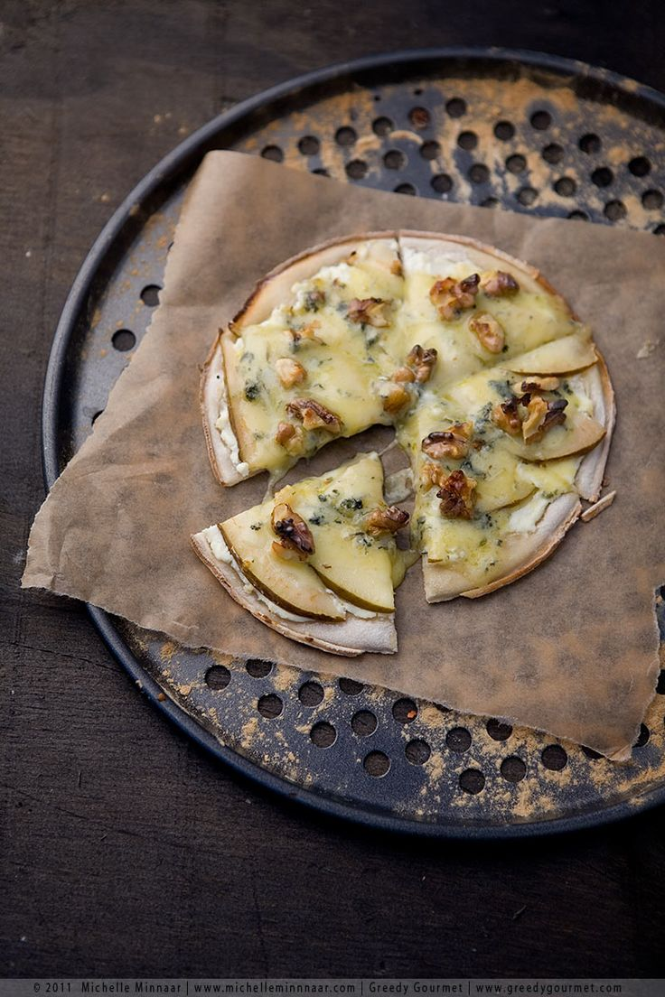 Pear Pizza with Stilton & Walnuts.
