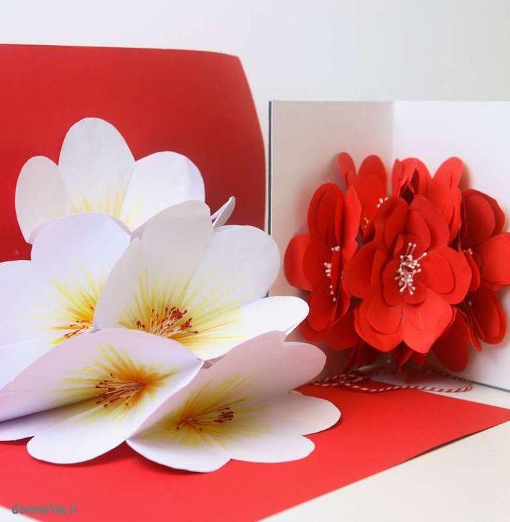 Рыжей девушкой, поп ап открытка с цветами