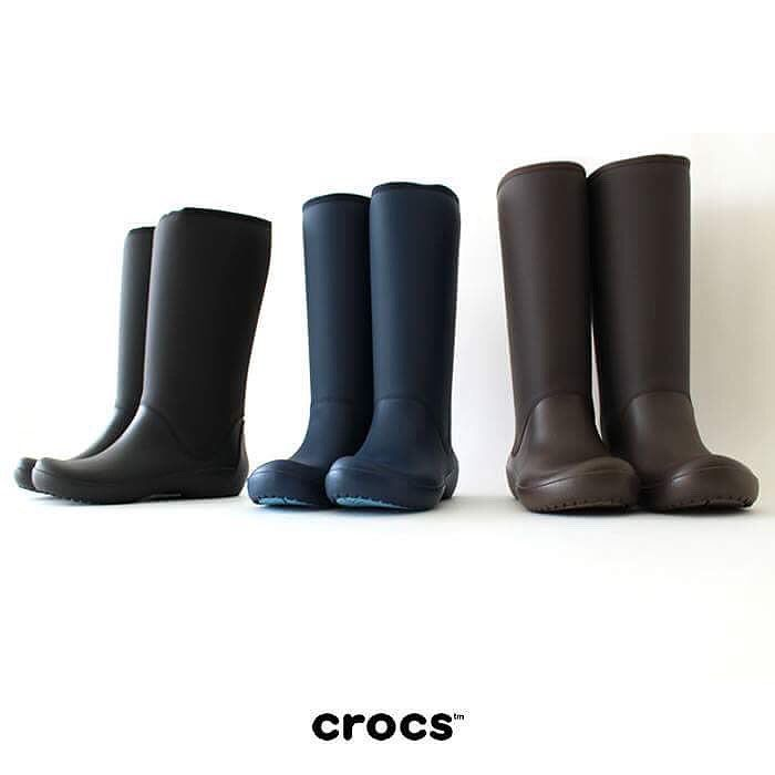 Stay dry and warm in the Rainfloe booties  Available in store & online  http://bit.ly/Rainfloe