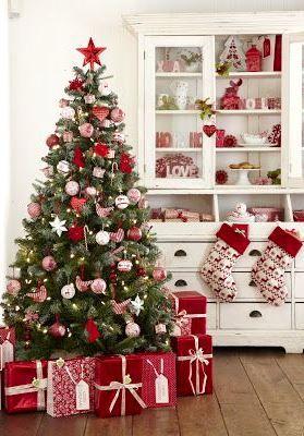 #Christmas tree decorations ideas red & white ToniKami Ðℯck Ʈհe HÅĿĿs #DIY #crafts