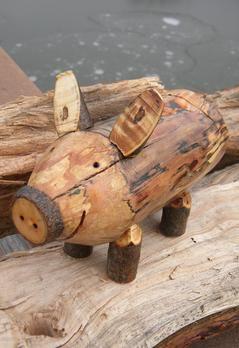 Easy Diy Firewood Pig Piggy Bank Www Diyeasycrafts Com The Best