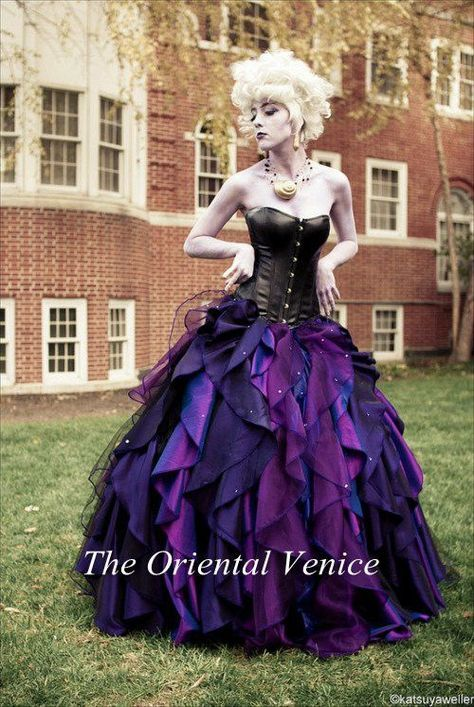 Purple and Black Organza Taffeta Ball Gown Gothic Wedding Dress Corset Victorian Halloween Bridal Gowns Vestidos de Novia