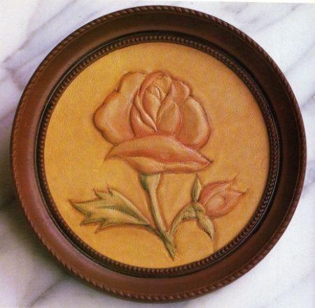 artesanias en cuero 007 Repujado en cuero de una flor