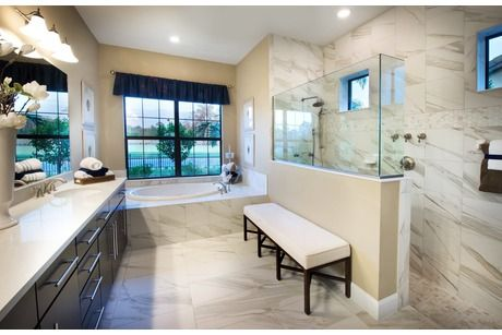 Windsor floor plan by pulte homes camden lakes in naples for Pictures of master bathrooms in new homes