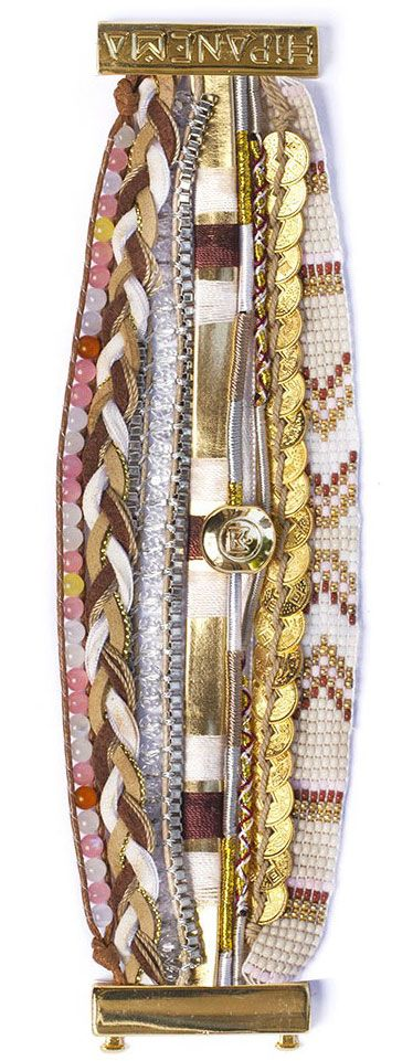 This handwoven Hipanema Heaven bracelet is embellished with gold-colored drop beads designed to perfectly harmonize with the beige hues of the strands and beads.