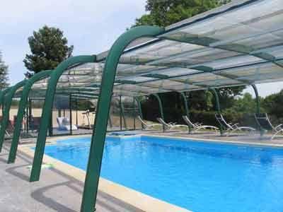 La piscine et le jardin propriété avec Chambres d'hôtes à vendre près de Pont-l'Evêque et Deauville en Calvados