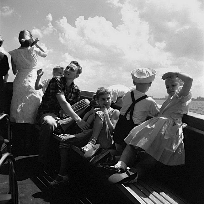 Photo: Vivian Maier 1956