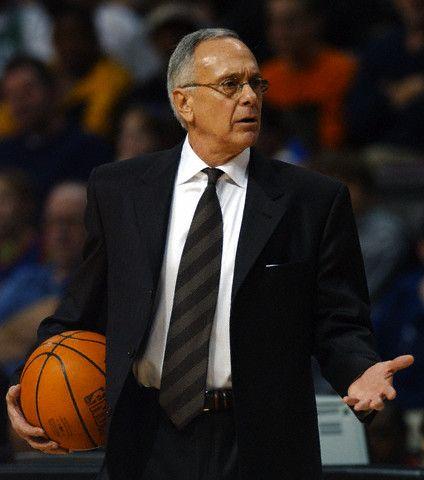 larry brown | Larry Brown deja los Bobcats y Jordan se plantea traer a Baron Davis