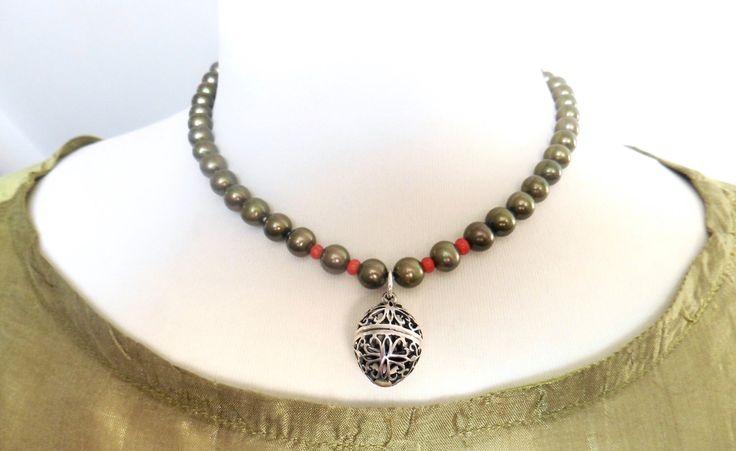 Ein persönlicher Favorit aus meinem Etsy-Shop https://www.etsy.com/de/listing/263262156/perlenkette-anhanger-silber-zum-offnen