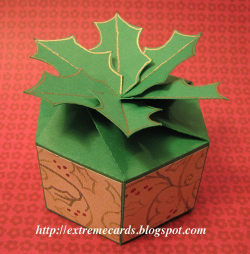 How to make this Twist Top Holly Gift Box - free template (PDF)