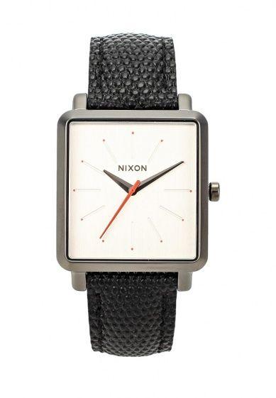 Часы Nixon выполнены из высококачественной стали. Детали: застежка на пряжке; ремешок из натураль...