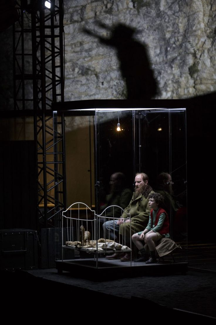 Karamazov d'après Dostoïevski, mise en scène de Jean Bellorini © Christophe Raynaud de Lage - Festival d'Avignon - Une critique de René Solis dans délibéré