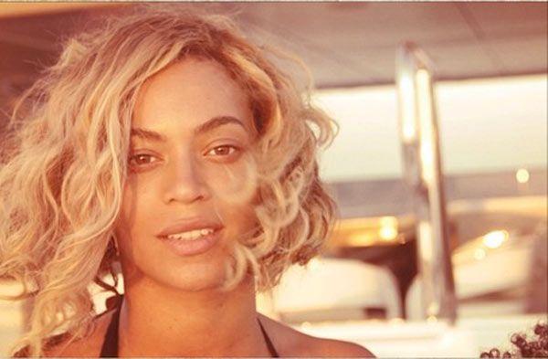 Beyonce's Makeup Free Selfie