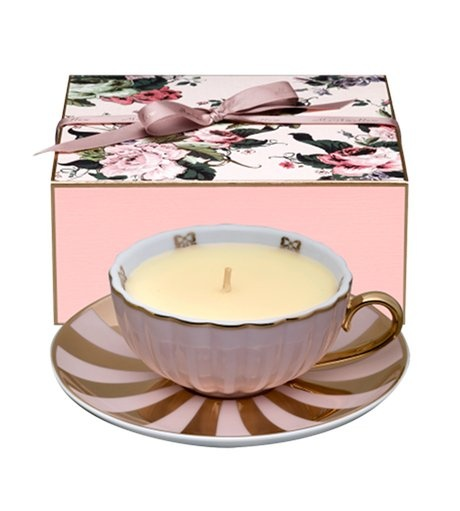projects idea unique tea cups. teacup candle  love that you can use the teacaup once has burned down also a good DIY project idea 21 best Tea cup gift images on Pinterest time Gift
