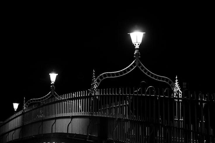 https://flic.kr/p/NxMdHd   Dublin   Ha'penny bridge
