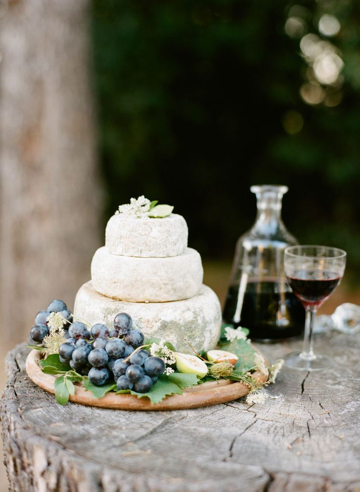 Styling by Honey & Cinnamon Italian Wedding Planner | Wedding Sparrow Fine Art Curation Vendor