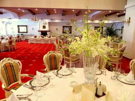 @wedding arrangement